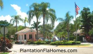 Sunset Cove in Plantation FL - gated entrance